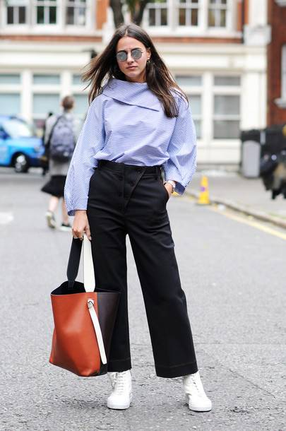 5 Fashion Styles To Avoid While Going For A Job Interview