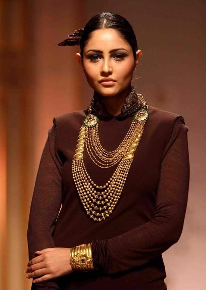 LIVA-Diwali-Festival-Wear-Go-For-A-Boho-Look