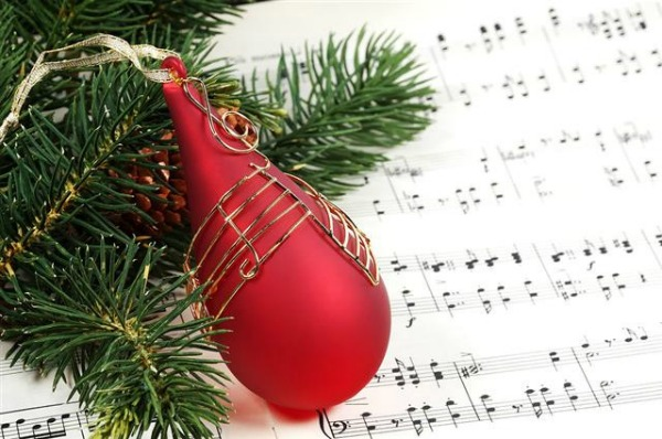 LIVA-Christmas-Party-Fashion-Music-And-Games