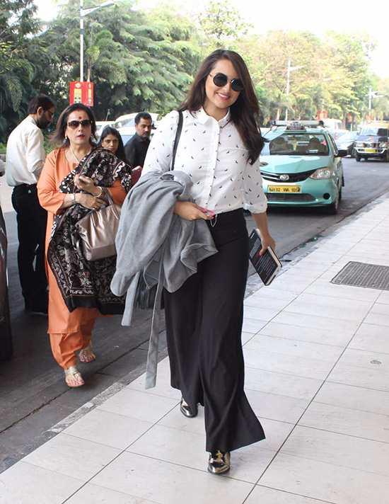 LIVA-DIY-Celebrity-Fashion-Sonakshi-Sinha