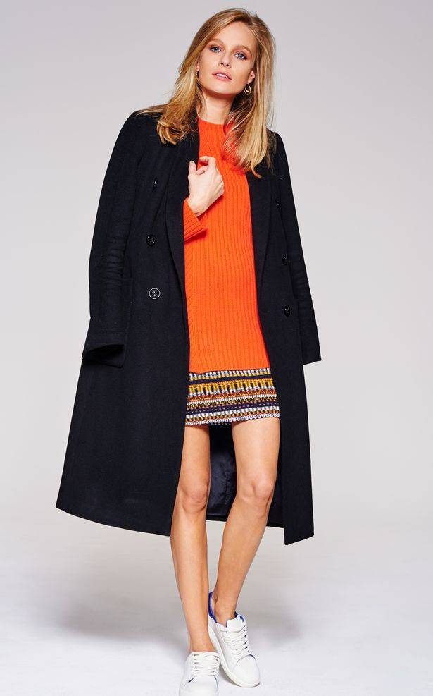 LIVA-Fashion-Splash-of-Orange-Pair-with-Neutrals